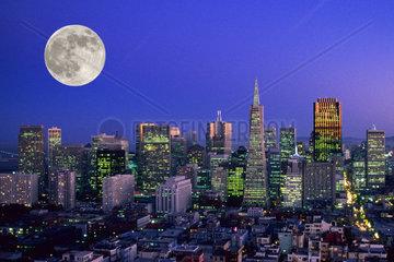 Skyline von San Franzisco bei Nacht