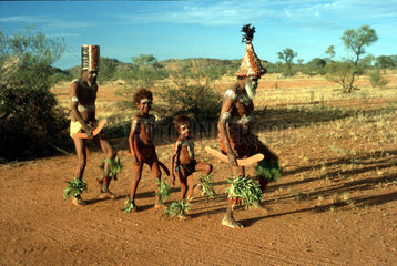 Aborigines tanzen  Australien