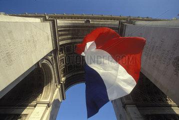 Arc de Triomphe mit Trikolore
