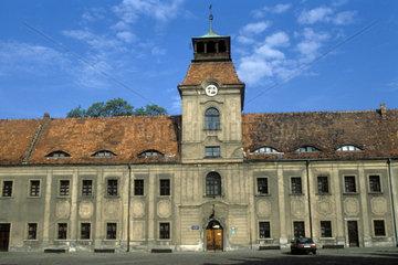 sanierungsbeduerftiges Schloss