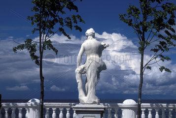 weisse Statue