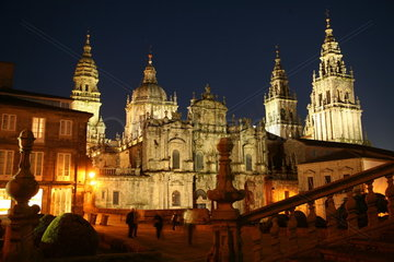 Kathedrale von Santiago de Compostela bei Nacht - Camino de Santiago