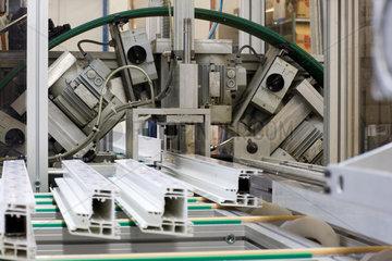 Schwendi  Deutschland  Fensterfertigung in der Firma Braeuer Fensterbau