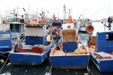 Schiffe in einem Hafen