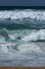Sardinien  Italien  hoher Wellengang am Strand der Costa Verde