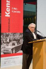 Egon Bahr bei Ausstellungseroeffnung in Berlin Egon Bahr at opening exhibition in Berlin.