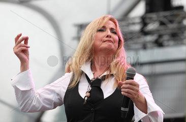 Berlin  Deutschland  Saengerin Veronika Fischer bei einem Konzert im Sommergarten bei der IFA 2012