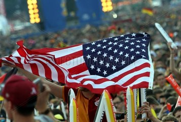 US-Fan auf der Berliner Fanmeile