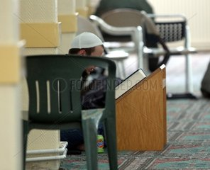 Glaeubiger Moslem beim beten