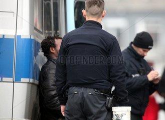 Polizei nimmt Drogendealer fest