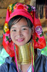 Thailand: Langhals-Maedchen vom Stamm der Padaung