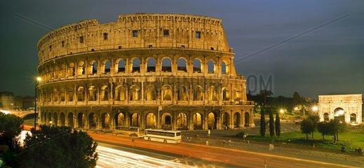 Kolosseum und Konstantinsbogen in Rom