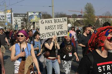 Ganz Berlin Hasst die Deutsche Wohnen