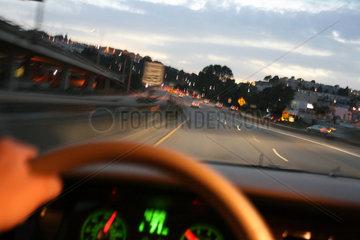 Fahrt auf dem Highway 1 in San Francisco