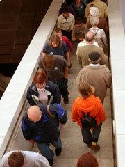 Menschen auf der Treppe