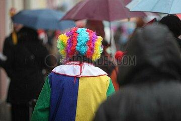 Clown im Strassenkarneval