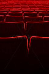 Berlin  Deutschland  leere Sitzreihen in einem Kino