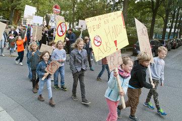 Kinderdemo gegen Handys