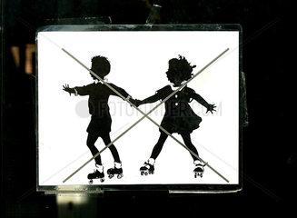 Rollschuhlaufen verboten!