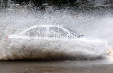 China  Ueberschwemmungen nach heftigen Regenfaellen