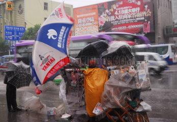 China. Sturm und Platzregen