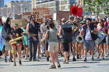 Protestmarsch fuer Klimaschutz  Marseille