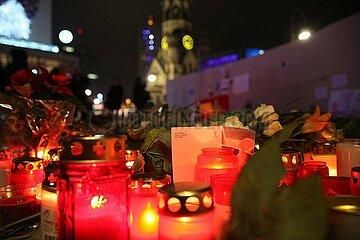 Gedenkkerzen am Breitscheidplatz