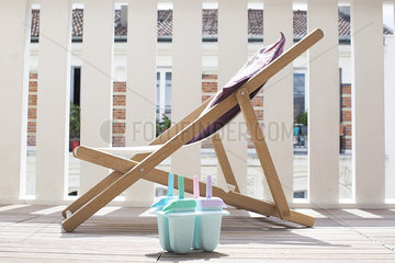 Deckchair and popsicles