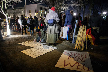 Extreme Right holds vigil at Chancellery