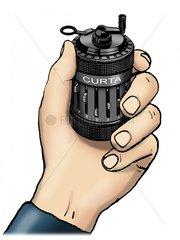 Curta Rechenmaschine 1 mit Hand