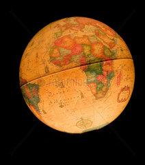 Spanien  ein beleuchteter Globus
