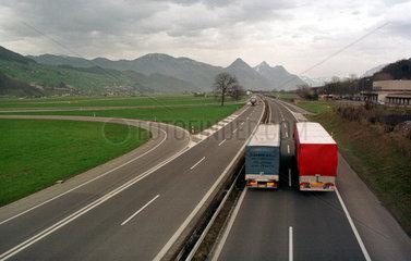 Autobahn bei Stans (Schweiz)