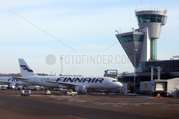 Vantaa  Finnland  Airbus A320 der Finnair steht in Parkposition am Helsinki Airport