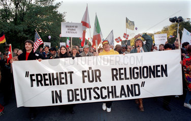 Scientology-Demonstration in Berlin  Deutschland