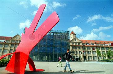 das ZKM (Zentrum fuer Kunst und Medientechnologie)