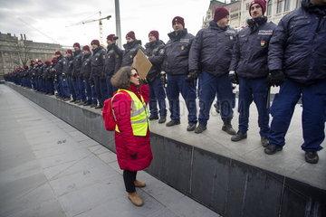 Demonstrationen gegen geplantes Arbeitsgesetz in Ungarn