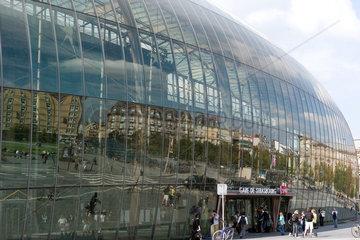 Strassburg  Frankreich  der Gare de Strasbourg unter der neuen Glaskuppel