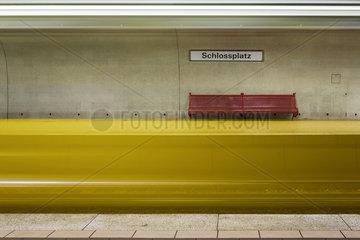 Haltestelle Schlossplatz der Stuttgarter Strassenbahn AG  SSB.