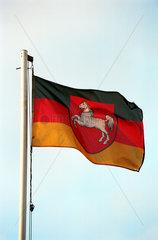 Heidenau  Landesflagge von Niedersachsen auf einem Mast