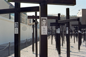 Mahnmal fuer die Maueropfer in Berlin