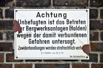 Altes Verbotsschild am Weltkulturerbe Zeche Zollverein