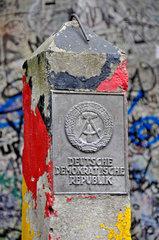 DDR Grenzstein im Berliner Mauermuseum