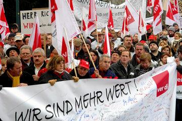 Demonstration gegen Stellenabbau bei der Telekom  Bonn