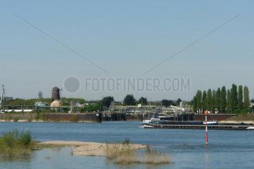 Rheinhafen Koeln-Godrof