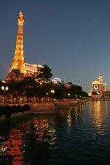 Nachbau des Eiffelturms im Spielerparadis Las Vegas