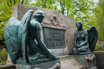 Berlin  Deutschland  Grabstaette auf dem Friedhof der Franz.-Ref. Gemeinde