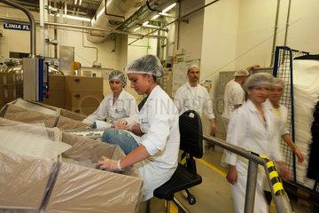 Posen  Polen  Mitarbeiter bei der Beiersdorf Manufacturing Poznan Sp. z o.o.
