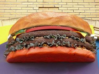 Ueberdimensionaler Burger