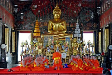 Buddhistische Moenchsweihe im Wat Saket