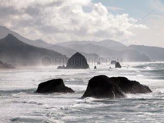Oregon: Haystack Rock bei Cannon Beach